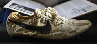moon shoe, duurste sneakers, nike