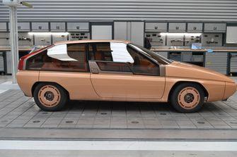 Mazda MX-81, retro