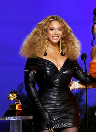 beyonce, meest sexy looks, outfits, grammy's 2021, grammy awards