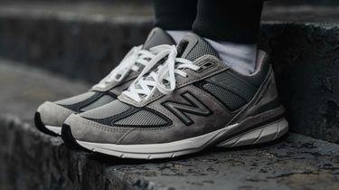 dad shoes, vaderdag cadeau's, vetste, sneakers, 2020, populair, new balance 990, new balance 990v5, sneakers, dad shoes, edities, steve jobs