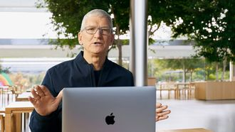 tim cook, ceo apple, salaris, dit verdiende, 2020