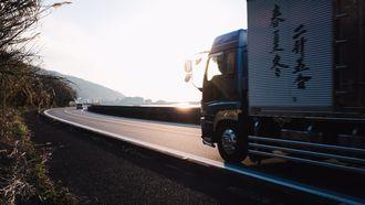ouderwets concept, vrachtverkeer, diesel, trolley, ehighway, vrachtwagens, engeland, 2040