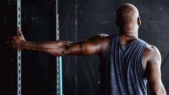 thuis trainen, triceps oefeningen