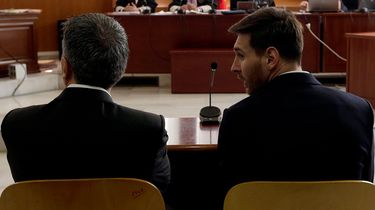 hoeveel verdient messi, per seconde, salaris, barcelona, lionel messi