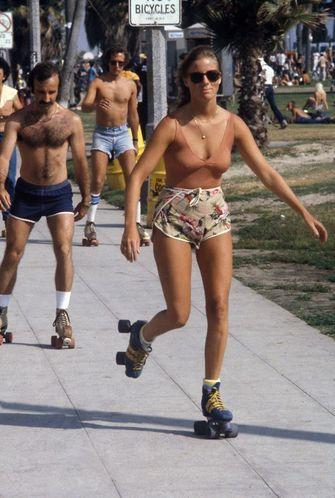 mannen, korte broeken, jaren 70, vintage fotos
