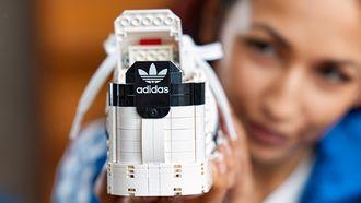 LEGO 10282 Adidas Superstar. sneaker