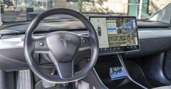 Tesla Model 3 review interieur