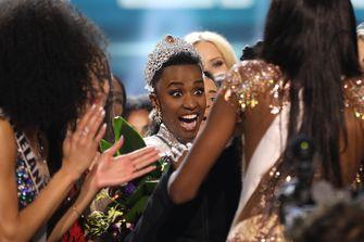 Zozibini Tunzi, sharon pieksma, zuid-afrika, miss universe 2019