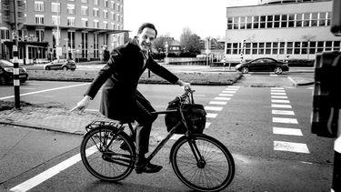mark rutte, financiële voordelen, single, leven, fietsen
