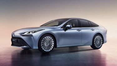 Toyota Mirai Tesla nadelen voordelen