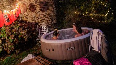 aldi, jacuzzi, hot tub, bubbelbad, folder