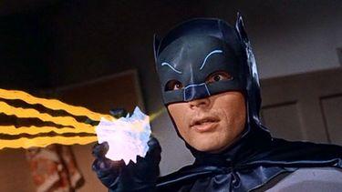 LEGO brengt iconische Batman-helm terug met gloednieuwe retro-set