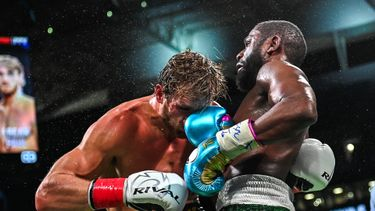 Logan Paul Floyd Mayweather knock-out