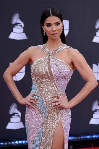jurken, sexy, looks, best geklede vrouwen, latin grammy awards 2019