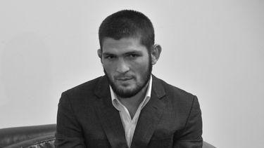 Khabib Nurmagomedov, ufc, pensioen, comeback, zwart-wit