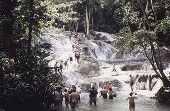 De 'James Bond-waterval' op Jamaica