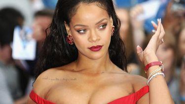 Rihanna officieel miljardair en rijkste muzikante ter wereld (dit is de top 7)