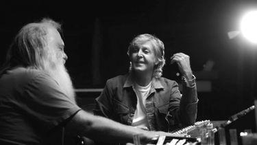 Disney+ Paul McCartney onthult nieuw Beatles-materiaal en verhalen in docuserie