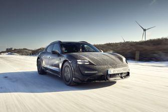 Porsche Taycan Cross Turismo, Launch control