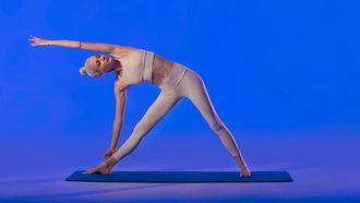 ikea product pose yoga, kritiek, hindoe's, spagaat