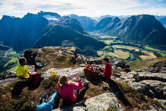 Romsdalseggen, hike, visit norway