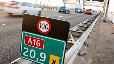 Maximumsnelheid 100 km/u 130 km/u
