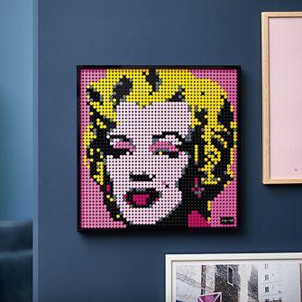 Andy Warhol's Marilyn Monroe, lego sets, interieur