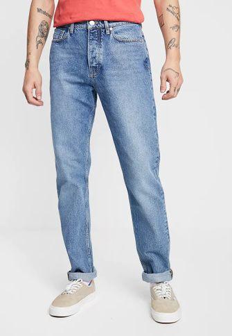 tips, wassen, kleding, zalando, t-shirt, jeans, basic outfit, uniek, wit T-shirt