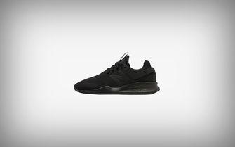 Sneakers van Karhu en Nike