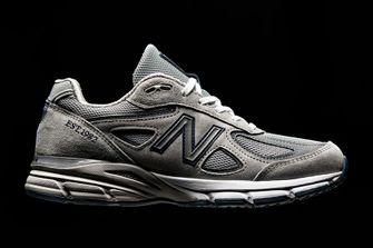 dad shoes, vaderdag cadeaus, vetste, sneakers, 2020, populair, new balance 990, new balance 990v5, sneakers, dad shoes, edities, steve jobs