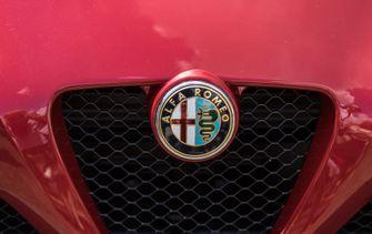 Alfa Romeo, Logo, Tesla, Elon Musk