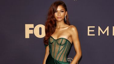 beste looks, sexy outfits, emmy awards 2019, emmys
