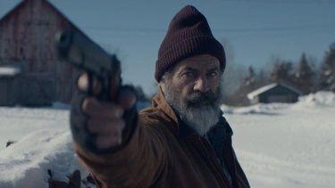 Fatman: Mel Gibson speelt door huurmoordenaar opgejaagde kerstman