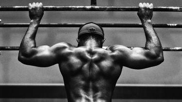thuis je rug trainen, oefeningen, v shape