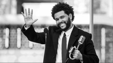 billboard music awards 2021, bma's, the weeknd, rode loper looks, sexy