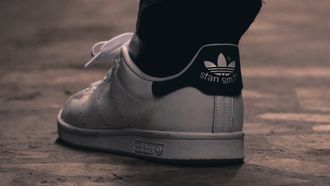adidas stan smith, best verkochte sneakers, duurzaam, 2021