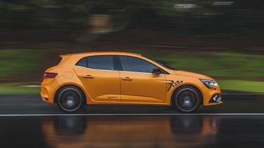 Renault, software, snelle rijders, begrenzen, snelheid