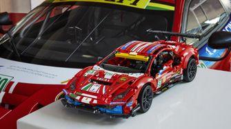 LEGO TechnicFerrari 488 GTE