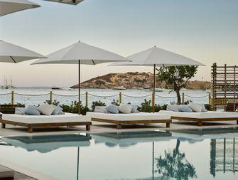Hét hotel op Ibiza waar je absoluut een keer moet zijn geweest