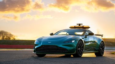 aston martin vantage, safety car, formule 1, james bond