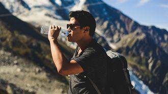 afvallen, meer water drinken, onderzoek, wetenschap, feit of fabel