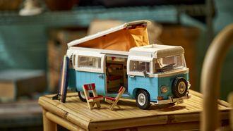 Thuis op vakantie: LEGO onthult Volkswagen T2 Kampeerbus
